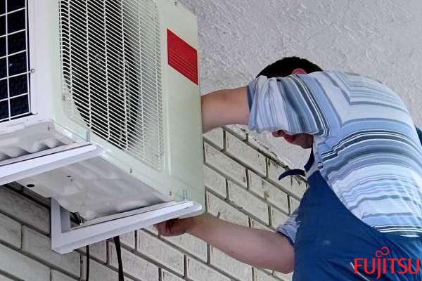 recarga de gas aire acondicionado fujitsu Málaga